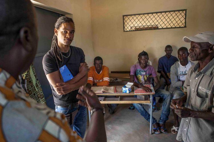 Alvar Jones en el Centro de Protección de menores de Kandé